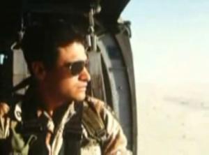 28-army-guy-plane-bt