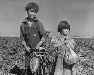 746px-children_and_sugar_beets_nebraska_1940