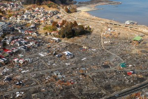 800px-us_navy_110318-n-sb672-598_an_aerial_view_of_damage_to_sukuiso_japan_a_week_after_a_9_0_magnitude_earthquake_and_subsequent_tsunami_devastated_th