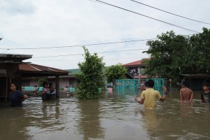 typhoon_ketsana_aftermath_near_laguna_lake1